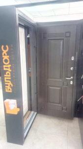 Уличная дверь бульдорс termo-1 венге с терморазрывом