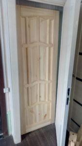 Двери из массива, банные двери